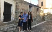 Il-sindaco-el-fammiglia-Carrda-che-ha-donato-la-casa-770x480.jpg